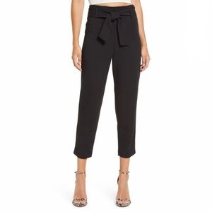 Leith Belted Tapered Ankle Pants in Black